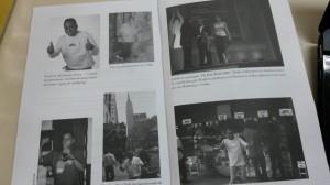 O livro é permeado por fotos, incluindo algumas de sua primeira banca de camelô, em 1990.
