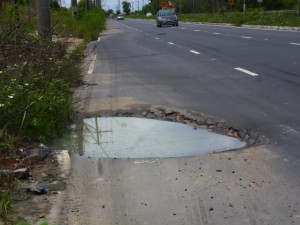 O asfalto não está muito melhor.