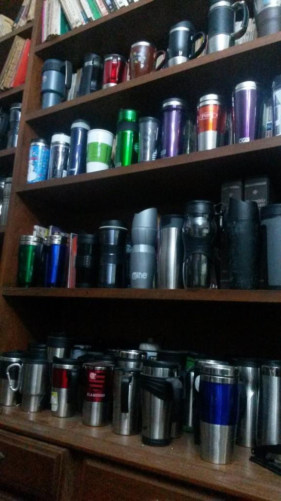 Parte da minha coleção de travel mugs
